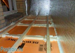 Установка підлоги на дерев'яні бруси.  Правильне утеплення балкона